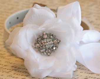 White Floral collar Pet Wedding accessory, Dog Lovers, Victorian wedding, Choker