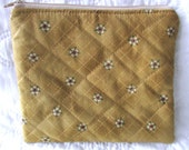 quilted zippered pouch / travel bag / quilted bag