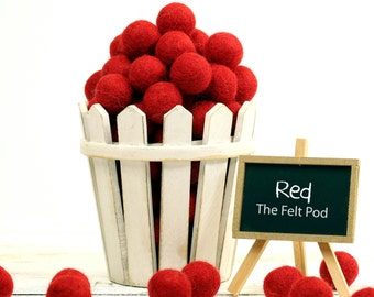 Christmas Felt Balls // Felt Ornament // Felt Ball Garland DIY // Berry Branch // Pom // Beads // RED // 1 cm 1.5 cm 2 cm 2.5 cm 3 cm 4 cm