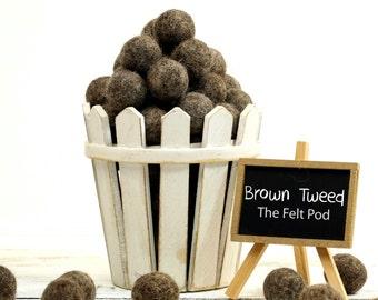 100% Wool Felt Balls // DIY Garland // diy Mobile // diy Necklace // Felt Pom Poms // Beads // BROWN TWEED // 2.5 cm