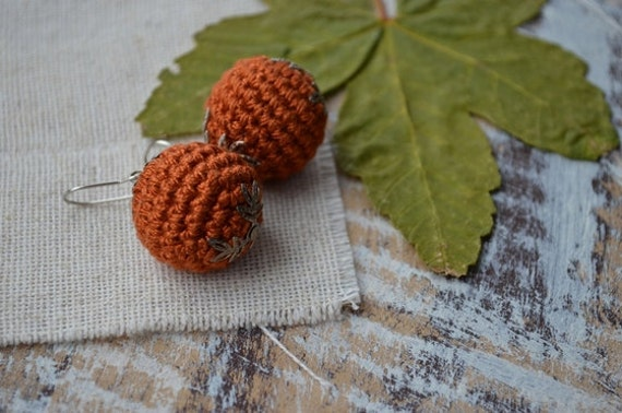 Clip on earrings Crochet ball earrings Rustic brown earrings Terracotta earrings Hand made gift Bead earrings Autumn Earth earthy tone