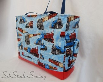 spring crocus tote 14 h 16 w lots of pockets by sibstudiosewing. Black Bedroom Furniture Sets. Home Design Ideas