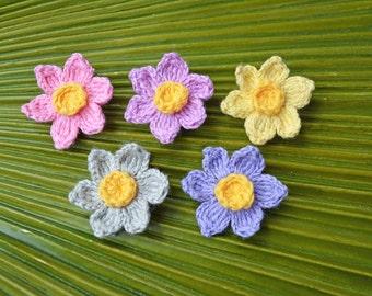 Crochet Daffodil Mini Alligator Clip // Petite Daffodil Hair Clip