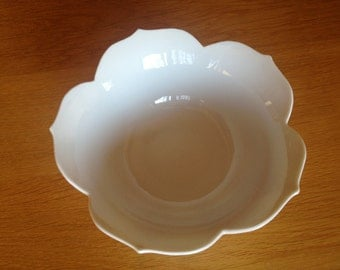 vintage lotus flower bowl