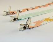 Pacifier Clip - April Rhodes' Arizona collection - Triangle Tokens