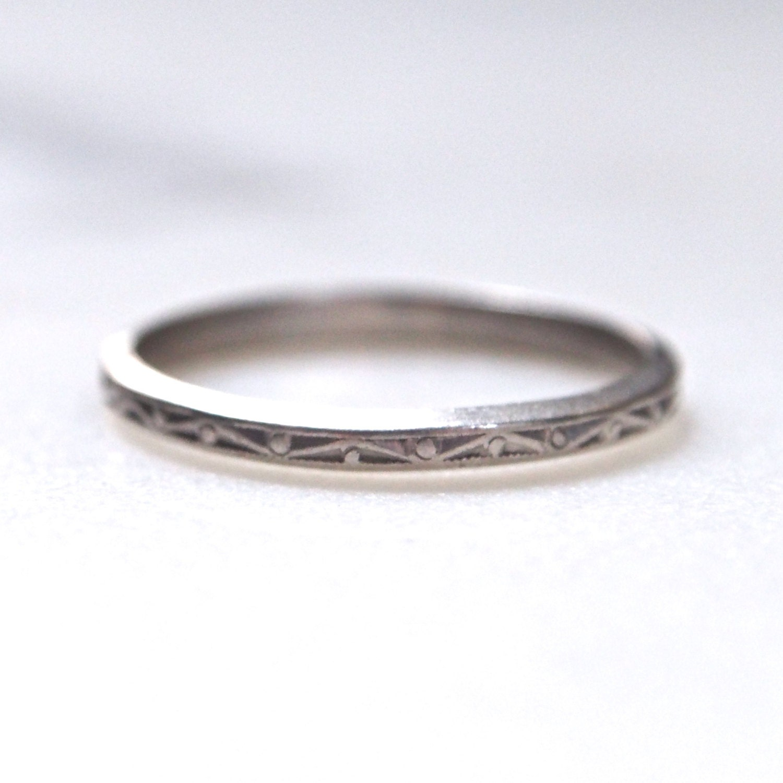 engraved deco geometric platinum wedding band