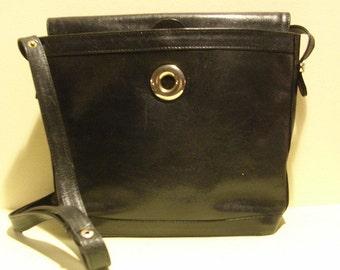 Lovely vintage black leather shoulder bag, with long strap, Marconi, Italy