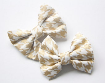 Hair Bow - Gold Houndstooth Fabric Bows - Hair bows for toddlers to Adults - Gold and off-white Bows - Trendy Hair Bows