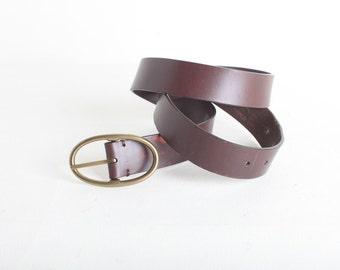 Vintage Women's Size Medium Brown Distressed Leather Gap Belt