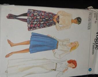 Vintage 70s Vogue 8111 Misses Drindl Skirt Sewing Pattern - UNCUT Size 10