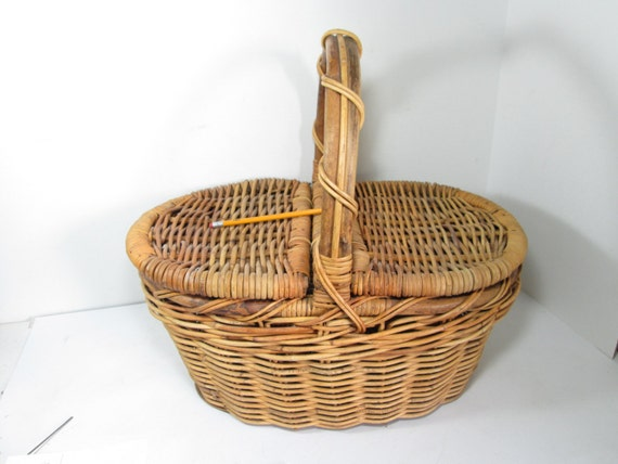 Vintage Wicker Sewing Basket 100