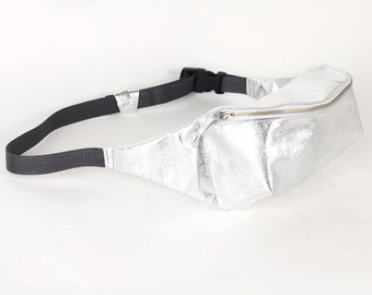 Silver colored leather waist bag / To order