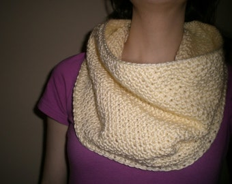 Crochet Soft Creamy Vanilla Cowl