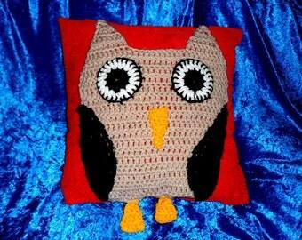 OWL CUSHION COVER.Crochet Owl Design.