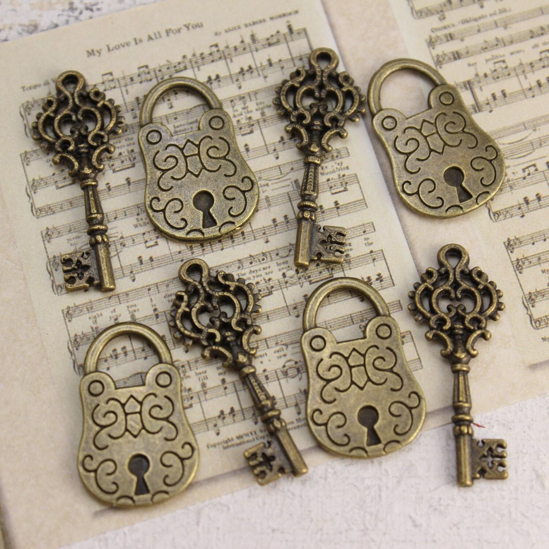 vintage style key set - photo #12