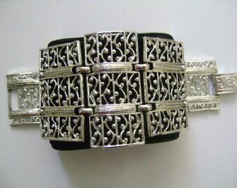 "Sarah Coventry Fashion Costume Jewelry Signed SARAH COV © Elegant Filigree Design Silver Tone HUGE 2"" Wide Widest Link Panel Links Bracelet"
