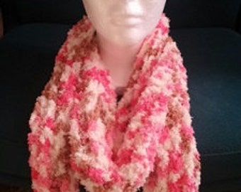 Handmade knitted 100% polyester and acrylic scarf