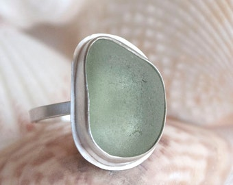 Genuine seaglass beach glass statement ring, seafoam or blue-green, sterling silver, surf tumbled, size 8