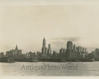 New York City piers skyscrapers 1920s panorama antique photo
