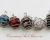 Unisex Wire Wrapped Gamer Dice, Caged Gamer Dice, Caged D&D Dice, Dice Pendants, Dice Charm, Dice Keychain, Dice Zipper Pull, Dice Bag Charm