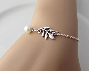 Leaf Bracelet, Leaf Pearl Bracelet, Bridesmaid Gifts, British Seller UK, Silver Leaf Bracelet, Gifts for Girls, Pearl Bracelet, Woodland
