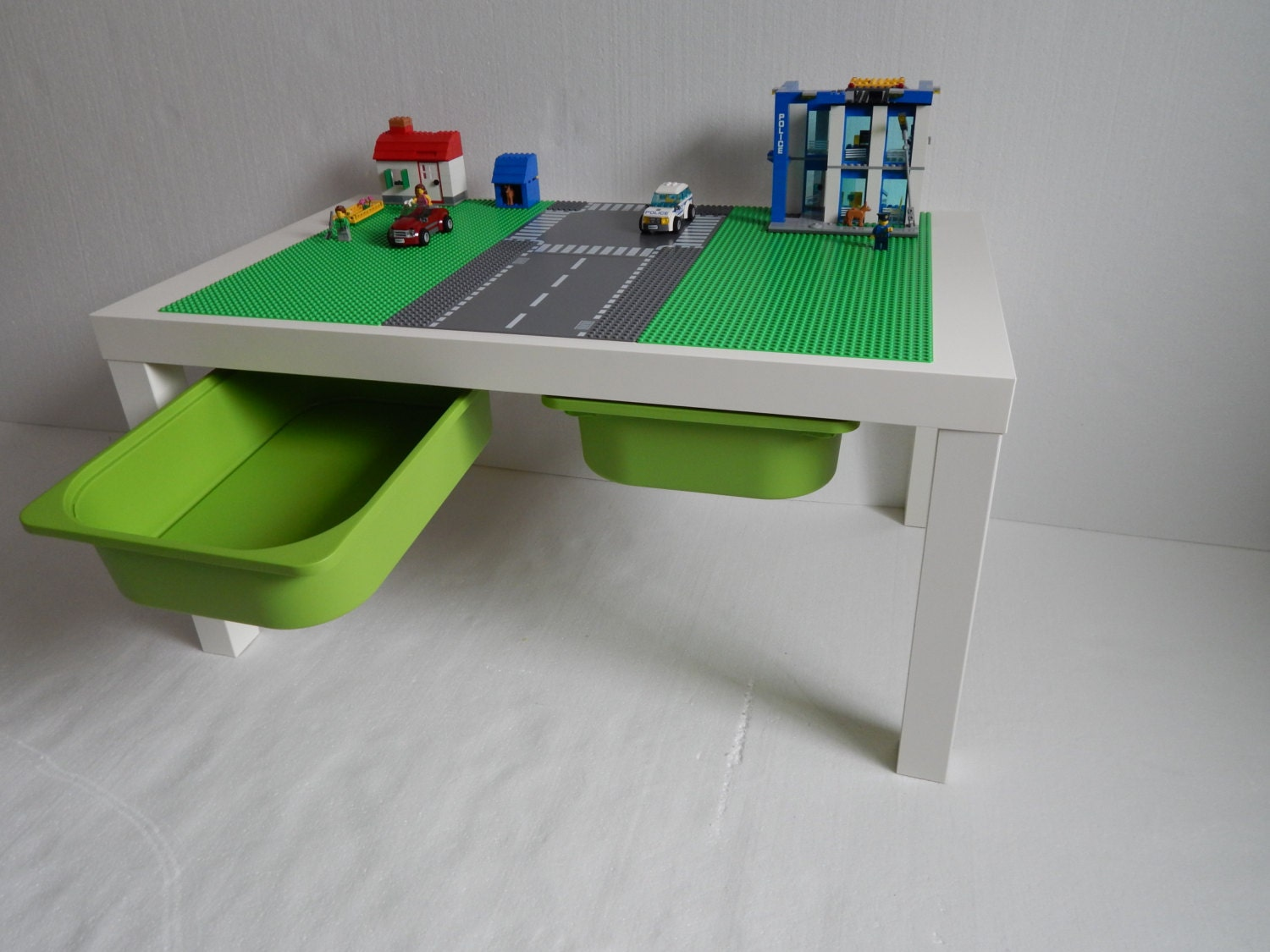 Large lego storage table 30x20 green with road for Table design lego