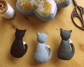 REDUCED PRICE ---   Cat brooch. Felt brooch/pin - Cat from the back. Miniature animal - cat jewellery.