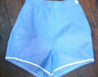 HIgh waisted blue shorts, vintage 50s pattern