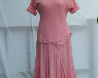 Beautiful 1980s 1990s Gauze Skirt and Blouse Peach Pink size 12 -14 Summer Serbin