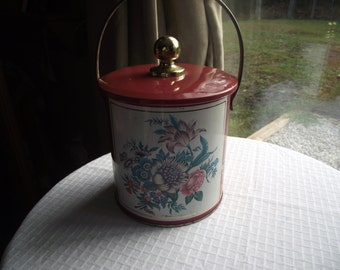 Vintage English Bisquit Tin,Cookie Tin,Bisquit Tin with Handle,Floral English Bisquit Tin,Collectibel Tin Can,Canister