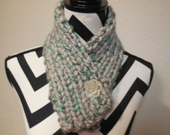 ONLY ONE Thick Winter Cowl in Gray and Teal