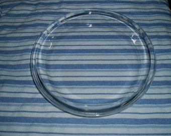 Vintage Anchor Hocking- vintage glass pie plate- 9 inch pie plate- Anchor pie plate- vintage glass dish- vintage baking- vintage Anchor dish