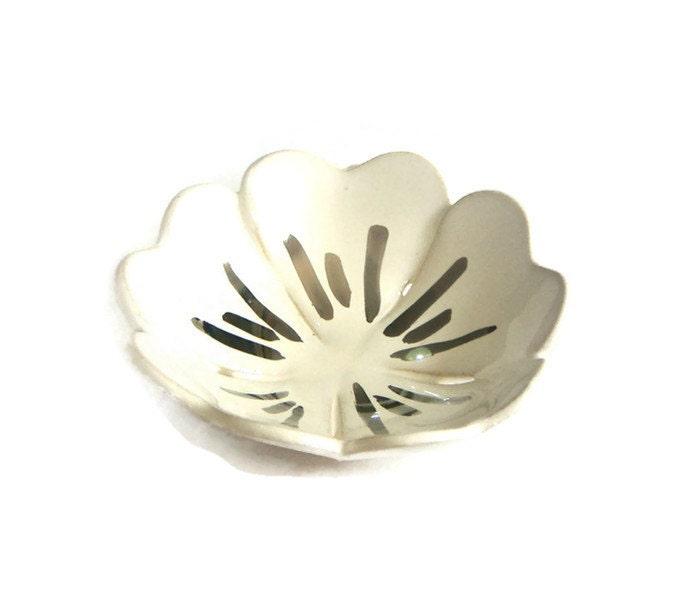 white ceramic ring holder silver jewelry dish ring by bininaor