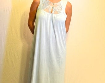 Vintage 1960's Nightgown // Pale Blue