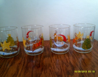 Set of Four Christmas Glass Tumblers, Holiday Glasses, Christmas Tumblers, Christmas Hi Ball, Christmas Glasses, Reindeer Tumblers,