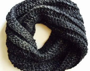 Chunky Crochet Twisted Cowl (Ready to Ship)