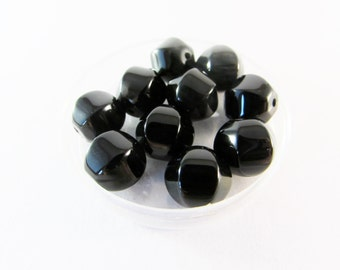 D-01632 - 10 Black Agate beads 10mm