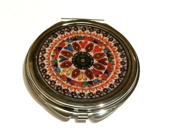 Mandala mirror, handmade pocket mirror, vintage compact mirror , colourful mirror, purse mirror, mandala accessories, gift for her