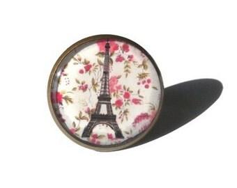 Eiffel Tower Ring, Eiffel Tower Jewelry, Shabby Chic Jewelry, Paris Ring, Liberty Ring, Paris Jewelry, Liberty Jewelry, white, pink
