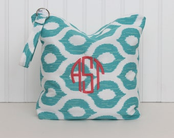 Monogrammed Bikini Bag, Wet Bag, Water-Resistant Bag, Beach Pouch, Bridesmaid Gift, Cosmetic Bag, Bikini Pouch, Swim Suit Bag, Diaper Bag