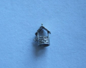Vintage sterling silver wishing well charm  149