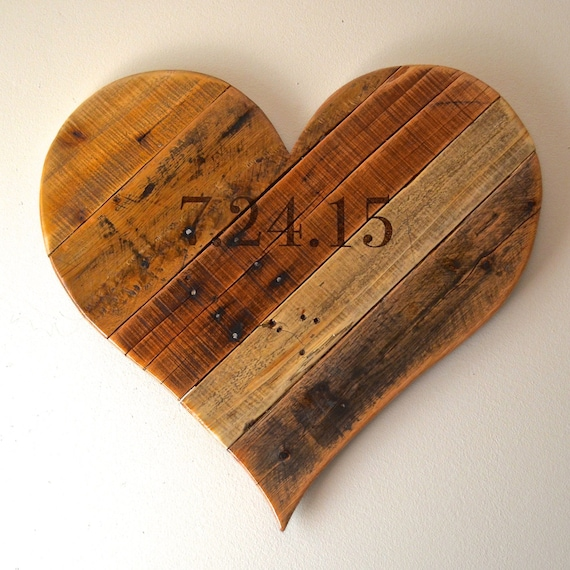 Wedding date rustic reclaimed pallet wood heart keepsake anniversary