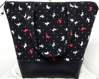 Insulated Lunch Bag, Vinyl Bottom,Scottie Dogs,Dogs,Animals,Lunch Bag Dogs,Lunch Box,Machine Washable, Nylon liner with Inner Zipper Pocket.
