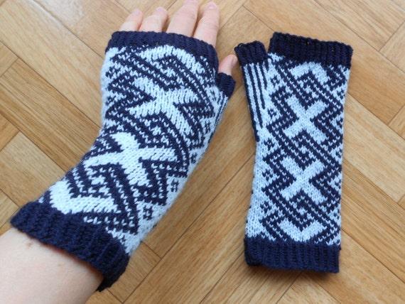 Knit Celtic Knot Hat Pattern : Knitting pattern Celtic knot fingerless by CuteCreationsByLea