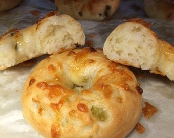 Fresh Cheddar and Jalapeno Gluten Free Bagels