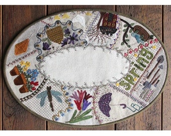 Pattern: Spring Crazy Table Mat by Primitive Gatherings
