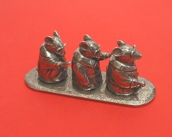 The Three Blind Mice Thimble Set Pewter Collectible Thimbles Gift