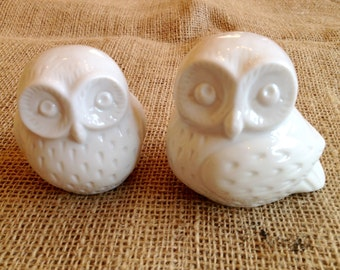 Vintage pairs FI white minimalist  owls made in Japan