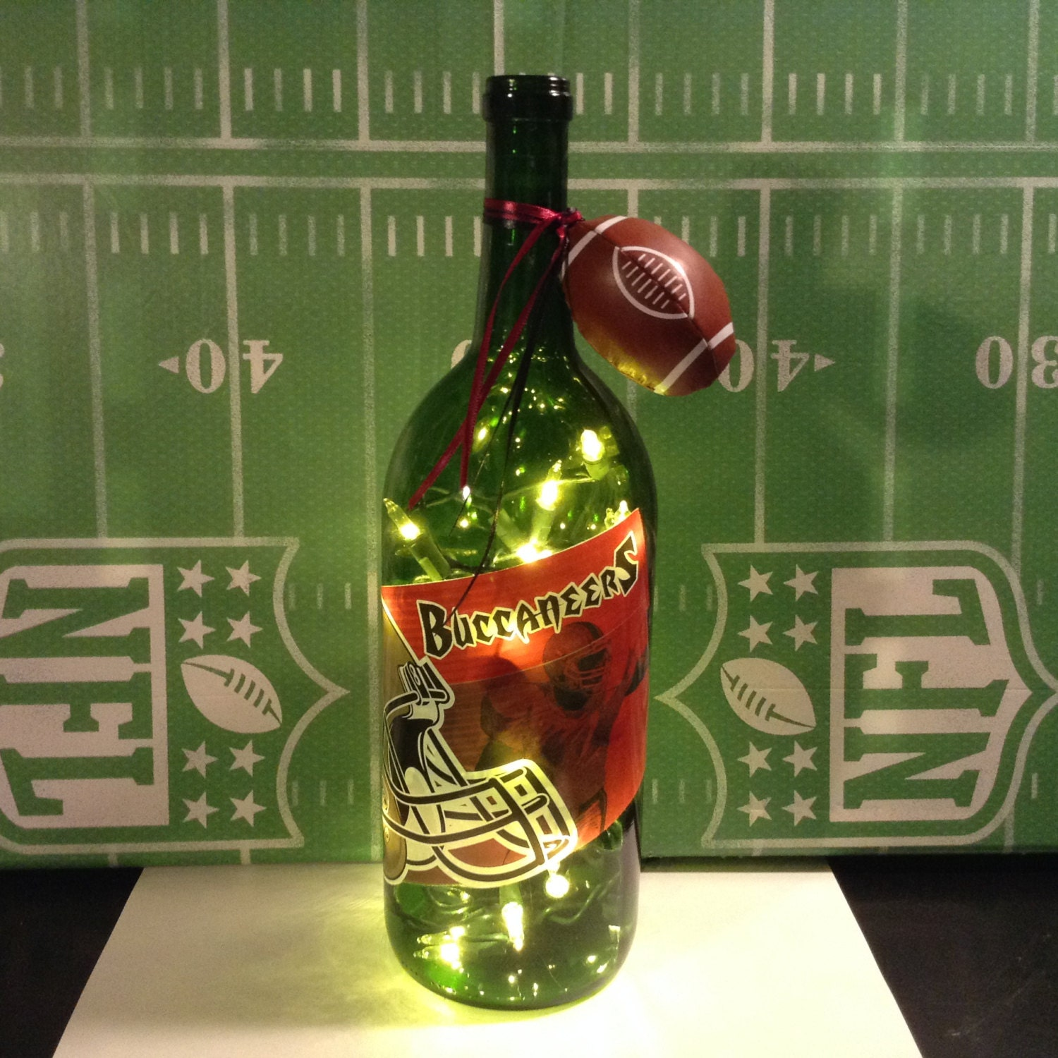 tampa bay buccaneers lighted wine bottle 1 5 liter. Black Bedroom Furniture Sets. Home Design Ideas