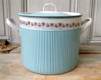 Antique french enamel stock pot. Rose garland with turquoise stripes. Signed BB frères Austria. French country.
